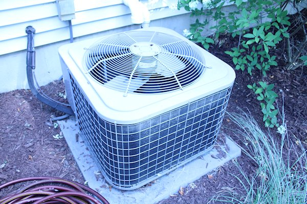 3684 Kingsway Drive Air Conditioner Image